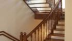 Деревянная лестница на косоурах с поворотом Краснодар Крым