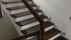 Лестница со стеклом в частном доме в дом Краснодаре Крыму