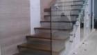 Деревянная лестница со стеклом в дом Краснодаре Крыму