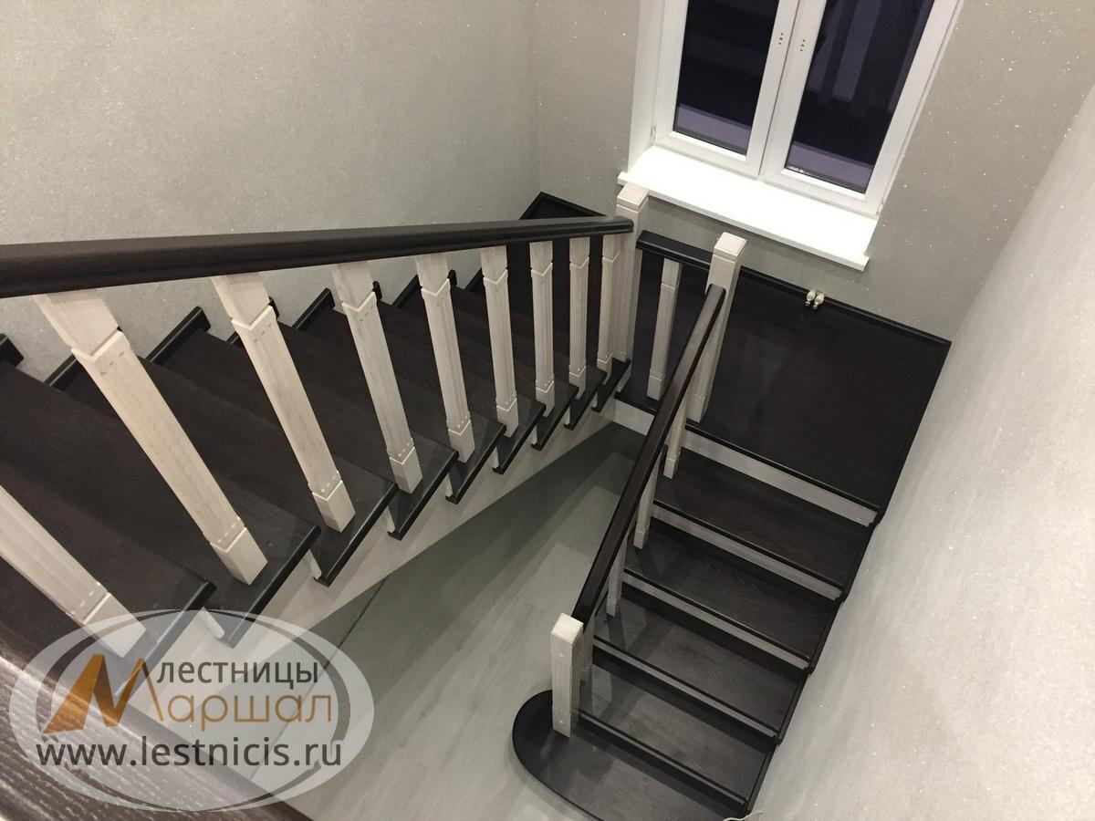 Поворотная лестница на косоурах Краснодар Крым