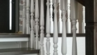 Поворотная лестница на косоурах изготовление лестниц в Краснодаре Крыму