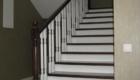 Отделка лестницы из металлокаркаса деревом в дом Краснодар Крым