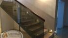 Лестница со стеклом на металлическом каркасе изготовление лестниц в Крыму Краснодаре